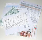 Alle im Umschlag befindlichen Unterlagen und die Teststäbchen